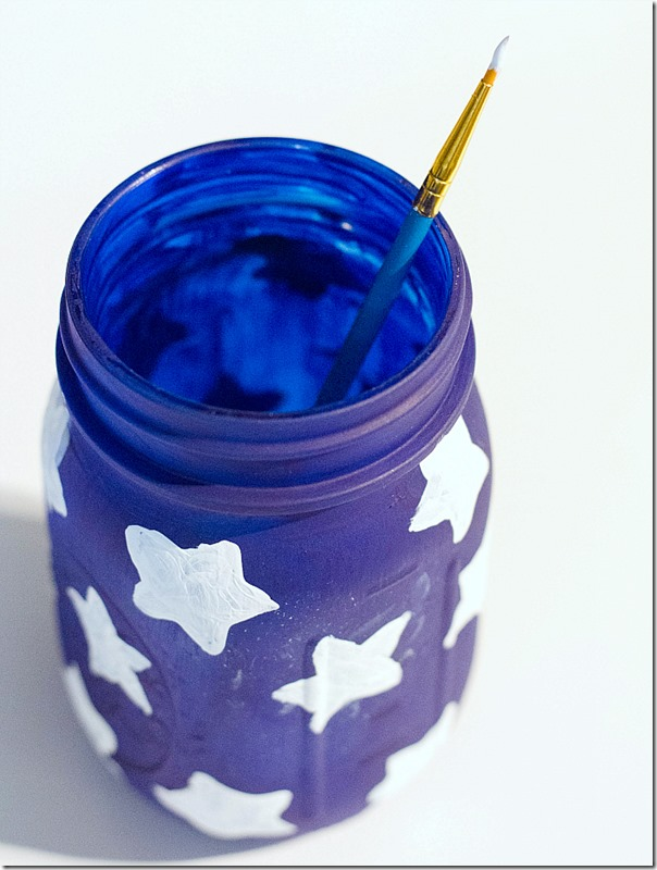 mason-jar-flags-red-white-blue-how-to-4