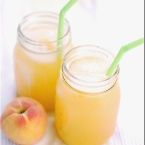 lemonade-recipe-peach-in-mason-jar