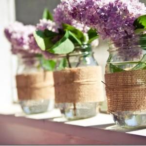 mason-jar-vase-burlap-wrapped