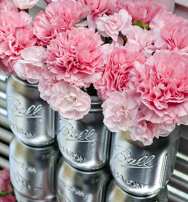 Spray paint mason jars mason jar crafts love for Mason jar crafts love