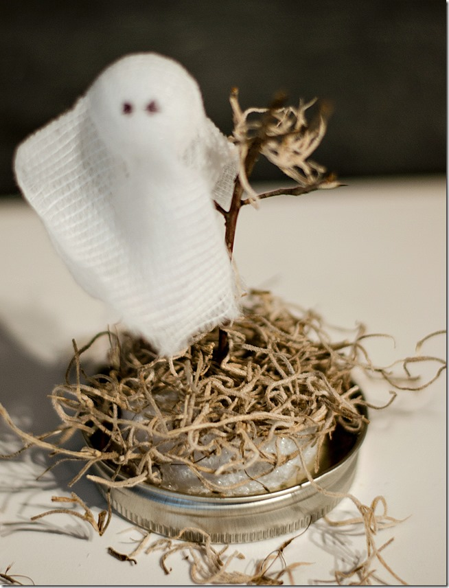Halloween-craft-ghosts-in-ball-mason-jars-17