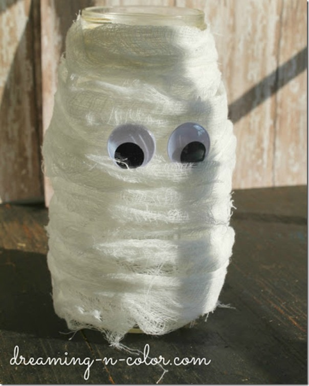 mummy mason jar - Halloween Mummy Crafts