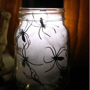 Halloween craft with spiders
