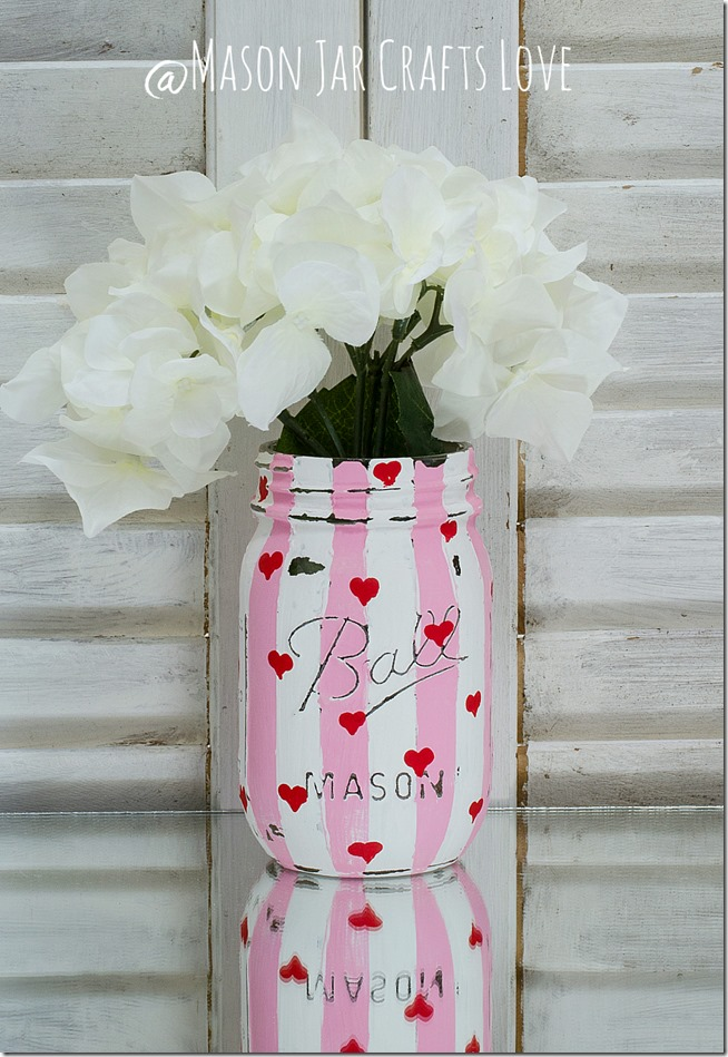 valentine-painted-mason-jars-4
