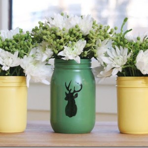 spray-paint-mason-jars