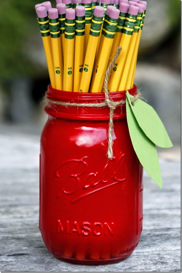 apple-mason-jar-pencil-holder