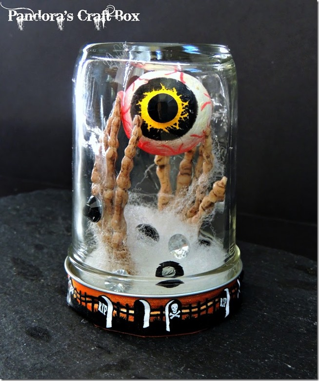 Halloween-eyeball-skeleton-mason-jar-DIY1