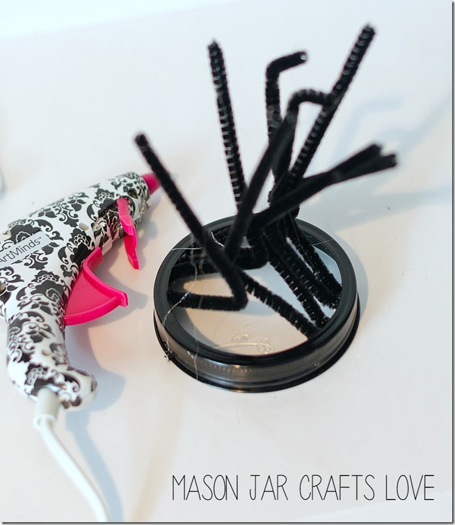 spider-mason-jar-halloween-craft-21