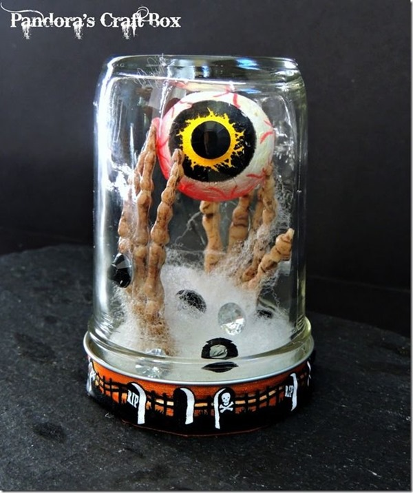 Halloween-decoration-spooky mason jar