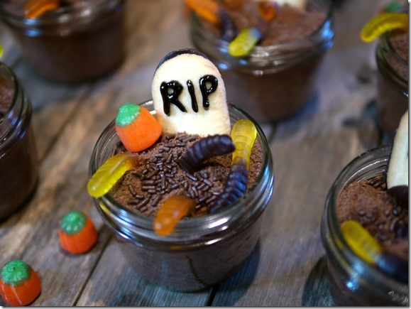halloween-treat-mason-jar
