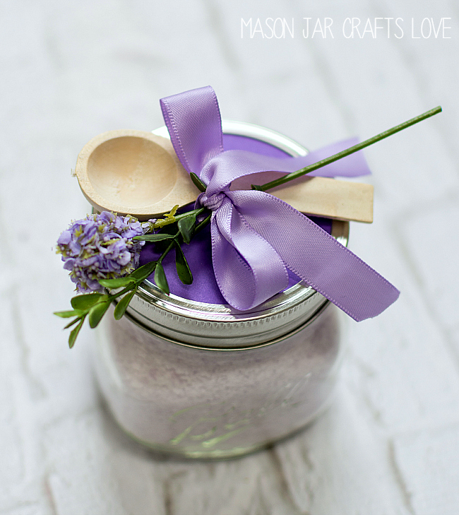 Mason Jar Gift Ideas: Bath Salts Recipe DIY