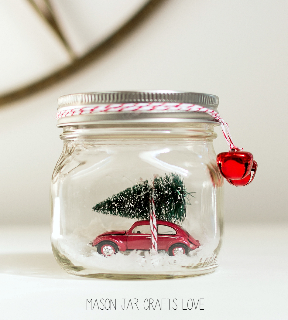 Mason Jar Crafts: Christmas Mason Jar Snow Globe Craft Idea