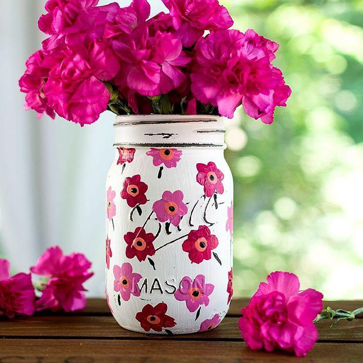 Marimekko inspired painted mason jar masonjarcrafts masonjarcraftslove marimekko paintedanddistressedmasonjars