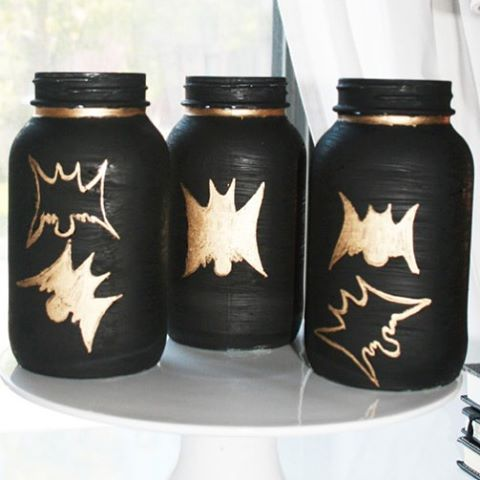 Bat masonjars halloweencraft from nowathomemom Link to project in profile