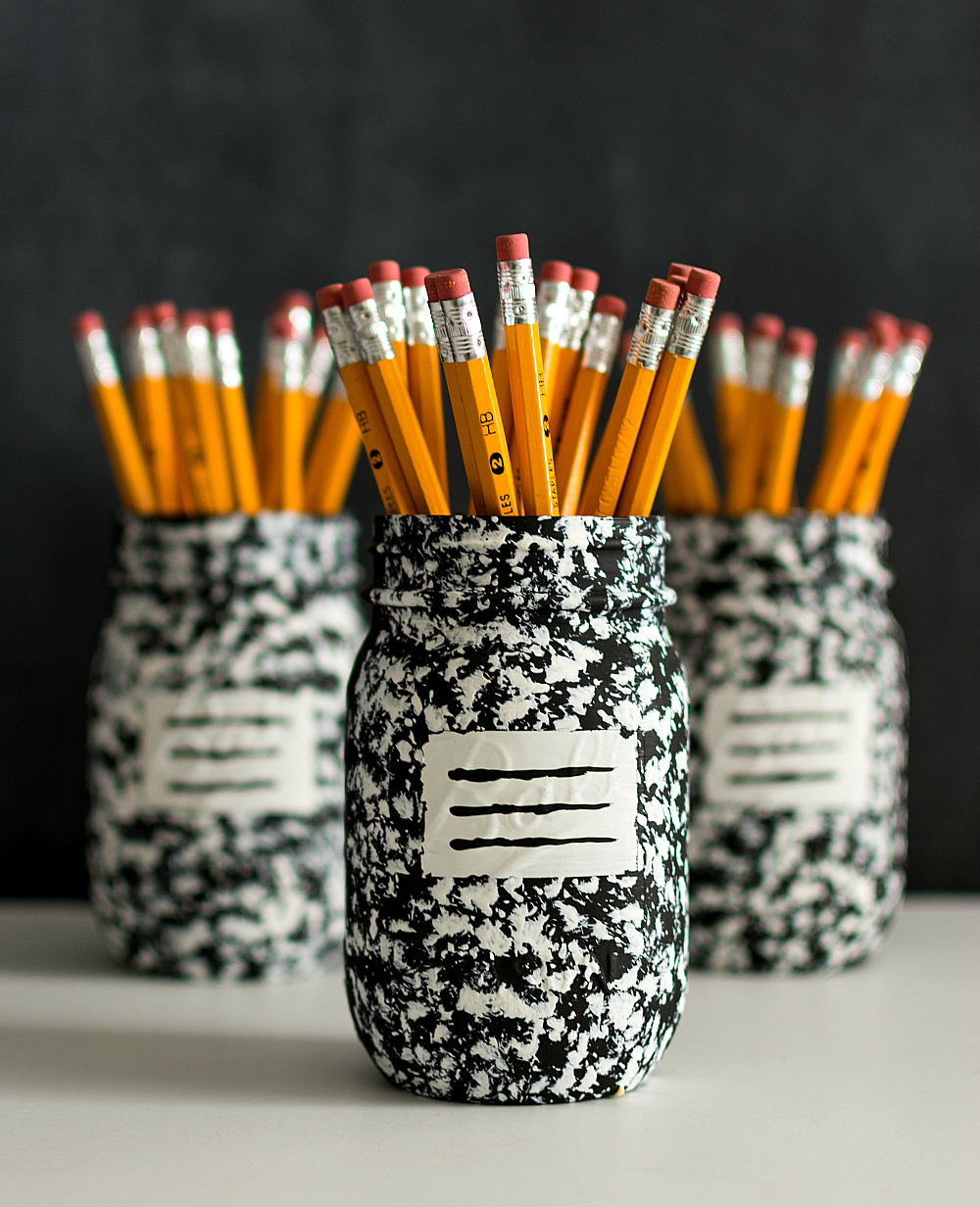 Desk Organizer Idea - Mason Jar Craft Ideas - Teacher Gifts