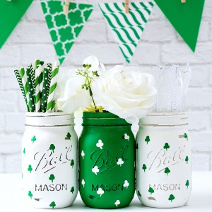 Painted Shamrock Mason Jars