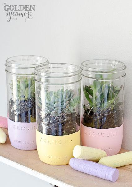 Paint Dipped Mason Jar Planter - Jar Crafts - Painted Jar Crafts - Painted Mason Jar Planters for Succulents