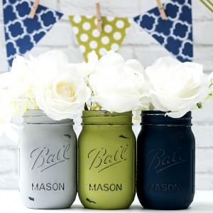 Mason Jar Crafts - Painted Distressed Mason jars