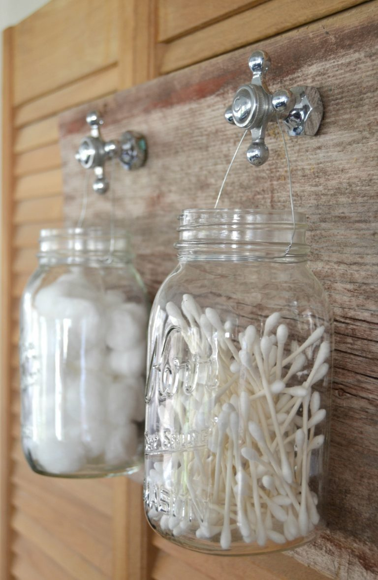 Mason jar bathroom organizer mason jar crafts love for Projects to do with mason jars