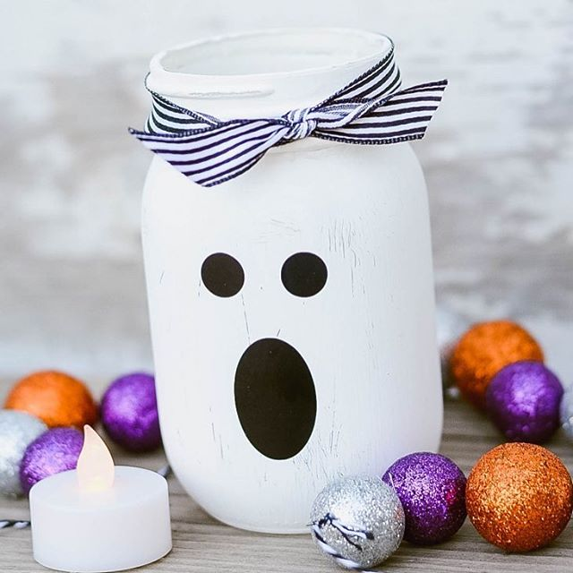 masonjar ghost for halloween from simplykierste Link to tutorial inhellip