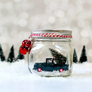 Mason Jar Snow Globes: Vintage Cars & Trucks