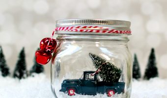 Mason Jar Snow Globes: Vintage Cars & Trucks