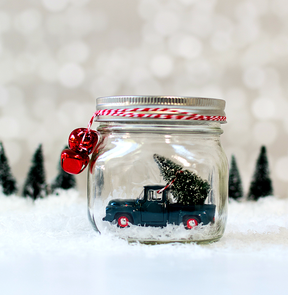 car-in-jar-christmas-decoration-7