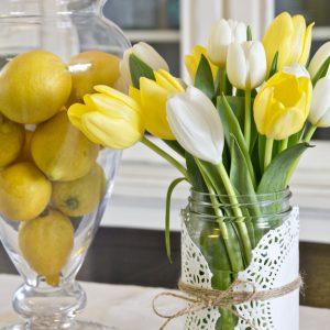 Easy Spring Mason Jar Centerpiece Idea