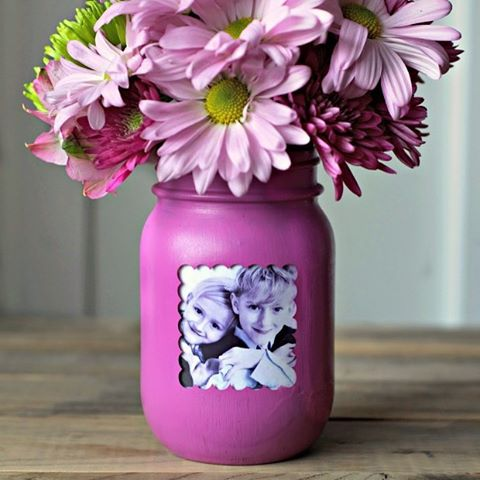 masonjar pictureframe for mothersday from homestoriesatoz