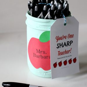 Mason Jar Sharpie Holder Teacher Gift - Homemade Teacher Gift Ideas with Mason Jars