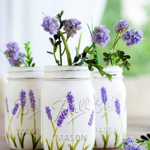Painted Lavender Flower Mason Jar @Mason Jar Crafts Love blog www.masonjarcraftslove.com