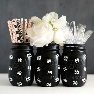 Google Eye Mason Jars for Halloween