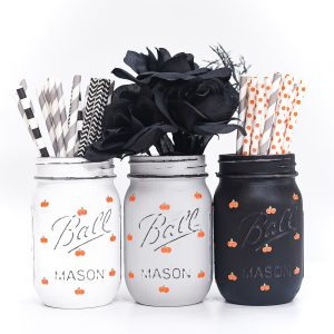 Painted Pumpkins on Mason Jars - Fall Mason Jar Craft Ideas with Paint