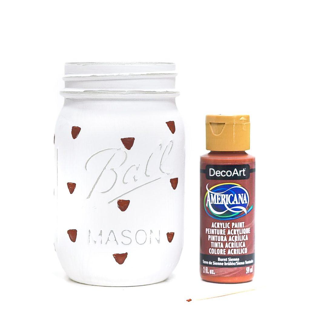 How To Paint Acorns. Easy Acorn Painting Tutorial. Painted Acorn Mason Jars. Fall Craft Ideas with Mason Jars. Acorn Craft Ideas.
