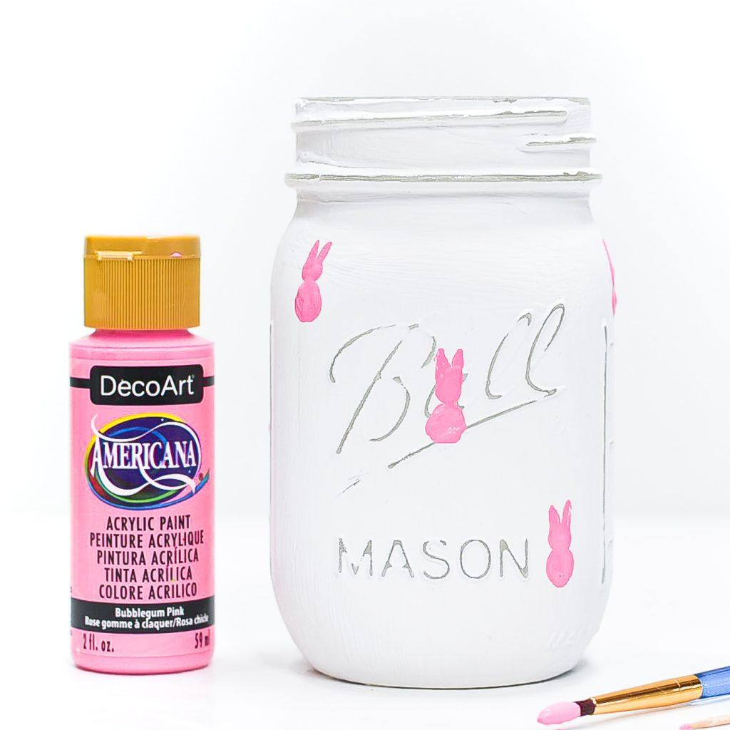 How to paint peeps. Easy peeps painting tutorial. How to paint peeps on mason jars. Easter peeps painting tutorial.